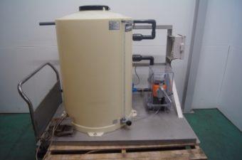 次亜塩素酸ナトリウム注入ポンプ/ケミカルタンク ㈱オーヤラックス 未使用品 AR-3002