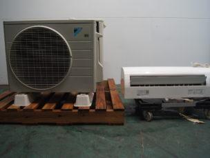 エアコン ルームエアコン 室外ユニット ダイキン工業㈱ 中古品 AR-3521