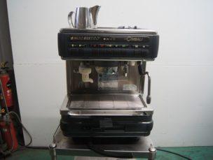 チンバリーコーヒーマシン M32BI-DT LA-CIMBALI 中古品 AR-3296