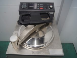 ラボ・オートクレープ 自動式高圧蒸気滅菌器 MLS-3020 SANYO 中古品 AR-3790